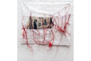 FILI DI ATTUALITA#7 / newspaper sewing on fabric / 30×30 cm / 2006-2010