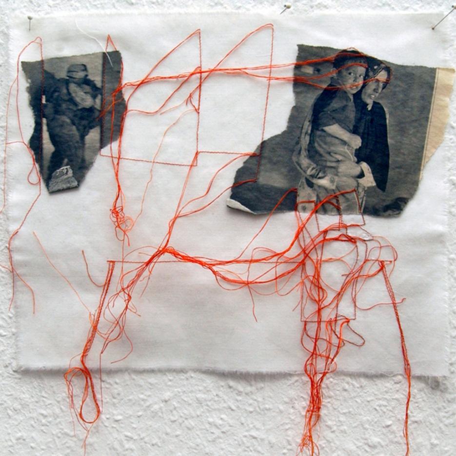 FILI DI ATTUALITA#4 / newspaper sewing on fabric / 30x30 cm / 2006-2010